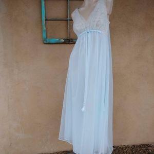 1960s Baby Blue Vanity Fair Nightgown Sz M L B36